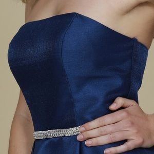 Dresses - Gorgeous Navy Strapless Formal Dress Size Medium